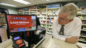 De jackpot van een verwachte $ 400 miljoen dollar is op 1 lot gevallen